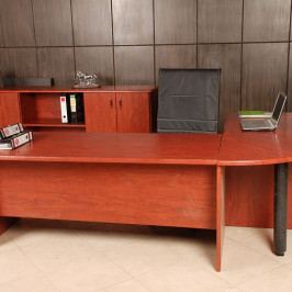 OFFICE DESK + SR #067